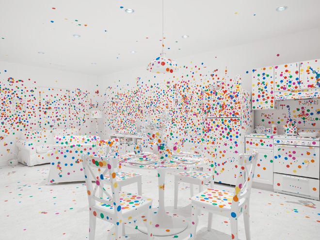 1-yayoi-kusamas-give-me-love-exhibit-in-new-york
