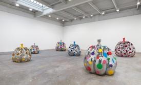 3-yayoi-kusamas-give-me-love-exhibiti-at-david-zwirner-new-york