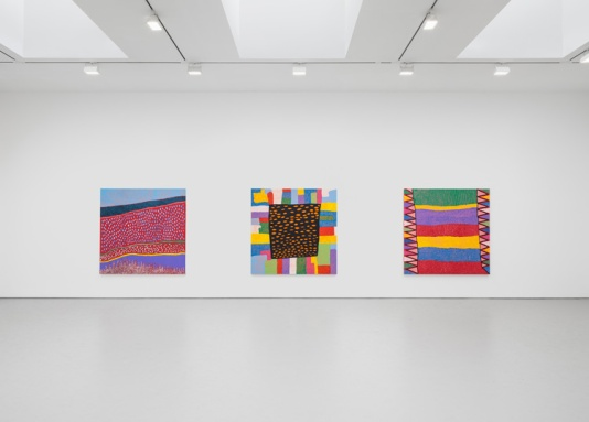 7-yayoi-kusamas-give-me-love-exhibiti-at-david-zwirner-new-york