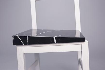 snarkitecture-slip-chair-UVA-designboom-03